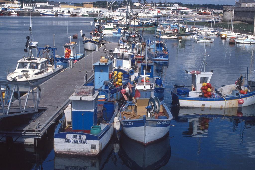 Port de concarneau ponton cotiers 1989 claudia schillinger